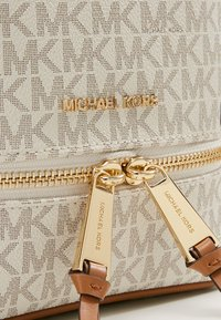 MICHAEL Michael Kors - Sac à dos - vanilla - 6