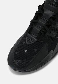 adidas Originals - PW BYW 2.0 - Sneakersy niskie - coreblack - 4