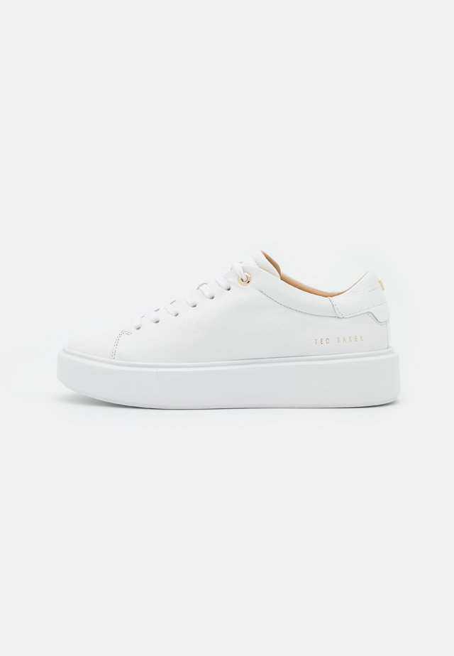YINKA - Sneakersy niskie - white