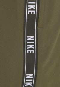 Nike Performance - VOLLEY SHORT LOGO TAPE - Swimming shorts - medium olive - 5