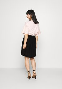 Selected Femme Petite - SLFALEXIS SHORT SKIRT - A-line skirt - black - 2