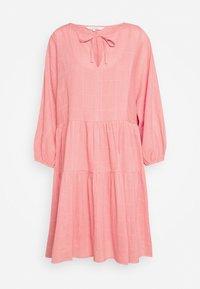 DENCIA - Day dress - peach blossom