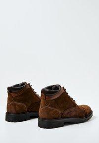 Pepe Jeans - PORTER  - Šněrovací kotníkové boty - cognac - 3