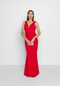 WAL G. - SLEEVLESS VNECK DRESS WITH SIDES - Vestido de fiesta - red - 1