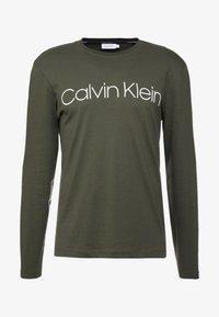 Calvin Klein - LOGO LONG SLEEVE  - Long sleeved top - green - 4