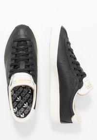 adidas Originals - LACOMBE - Trainers - core black/footwear white/chalk white - 2