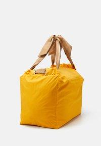MAX&Co. - CHUTE - Tote bag - orange - 2