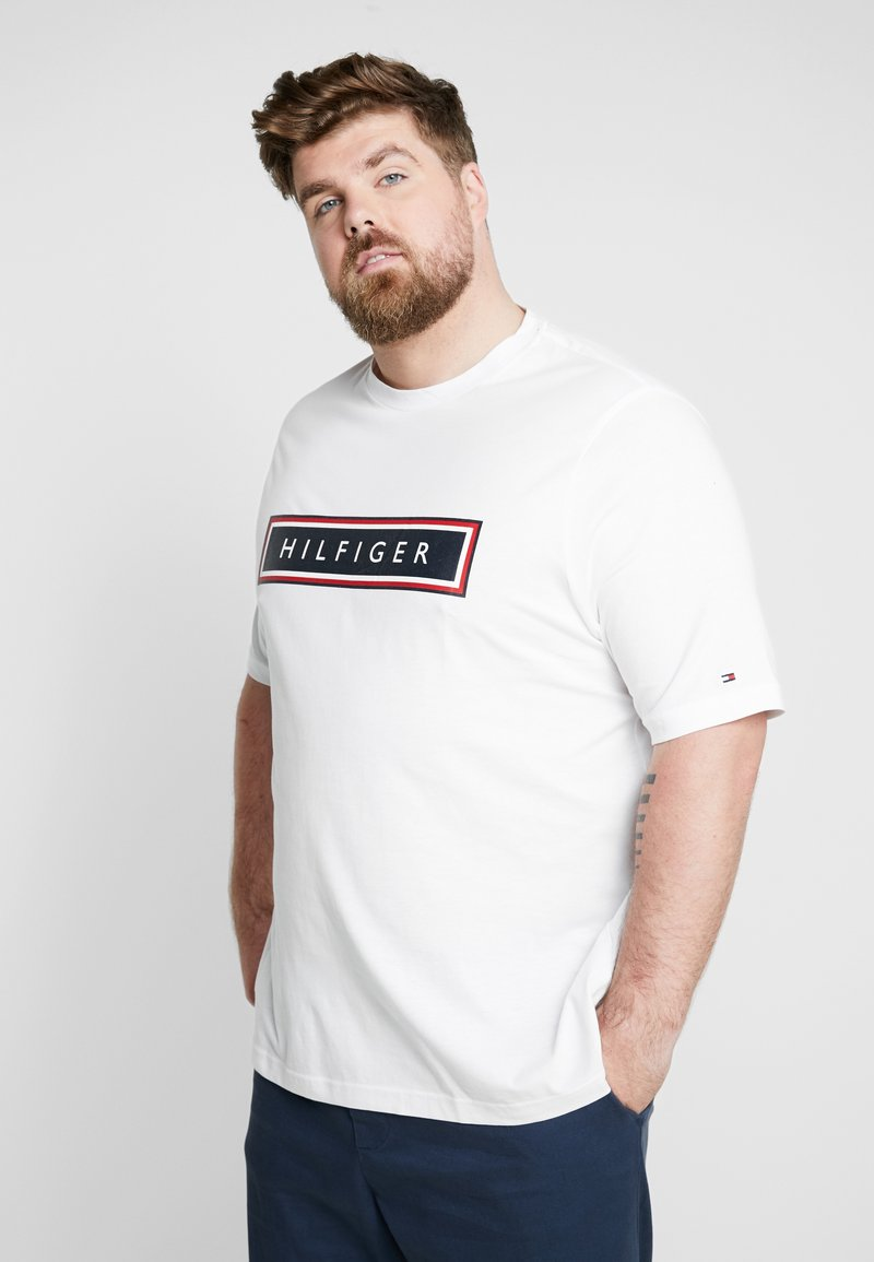 Tommy Hilfiger - CORP FRAME TEE - Print T-shirt - white