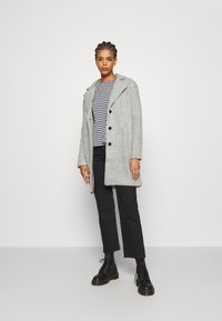 Vila - VIOLLY BUTTON COAT - Zimní kabát - light grey melange - 1