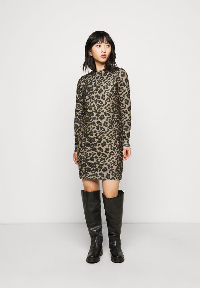 VMHOWL DRESS - Jumper dress - silver mink/black