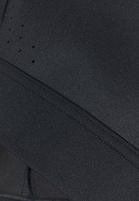 Under Armour - RUSH HIGH - Sujetadores deportivos con sujeción alta - black - 2