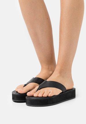 SETH - Sandály s odděleným palcem - black