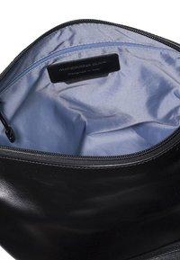 Mandarina Duck - MANDARINA DUCK - Across body bag - black - 4
