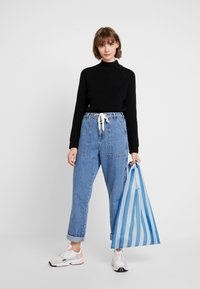 Noisy May - NMSIESTA HIGH NECK CROPPED - Neule - black - 1