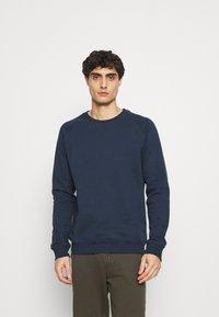 Pier One - 2 PACK - Sweatshirt - white/dark blue - 3