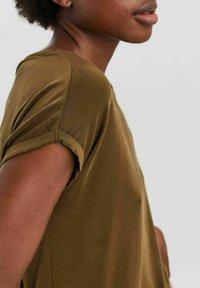 Vero Moda - T-shirt - bas - dark olive - 3