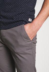 Burton Menswear London - Chinot - grey - 4