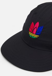 adidas Originals - 3D ADICOLOR CAP UNISEX - Caps - black - 3
