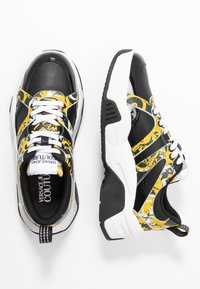 Versace Jeans Couture - Baskets basses - black/yellow - 3