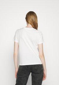 maje - TOPAL - T-shirts med print - blanc - 2