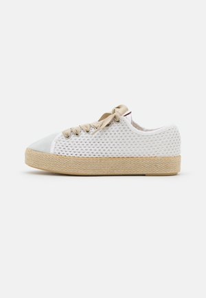 TAMYLIE - Casual lace-ups - blanc