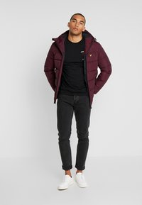 Lyle & Scott - WADDED JACKET - Vinterjakke - burgundy - 1