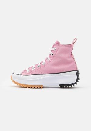 RUN STAR HIKE - High-top trainers - lotus pink/white/black