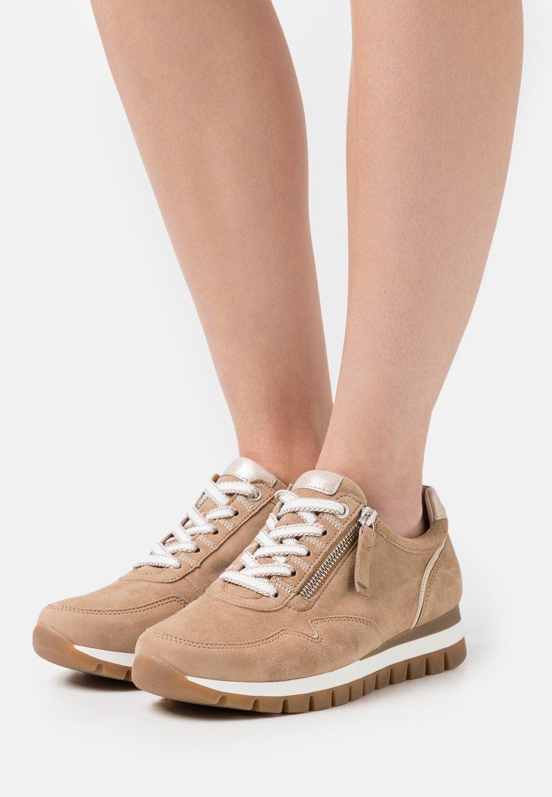 Gabor Comfort - Sneakers laag - sand/platino
