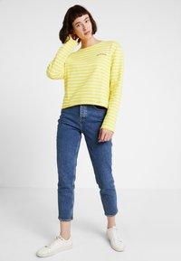 Marc O'Polo DENIM - CREW NECK STRIPED - Sweatshirt - yellow/white - 1