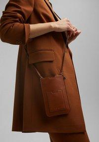 Esprit - Across body bag - rust brown - 0