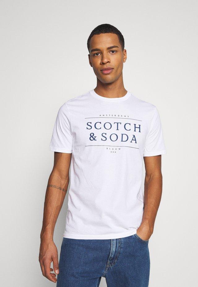 SHORT SLEEVE LOGO TEE - T-shirt imprimé - white