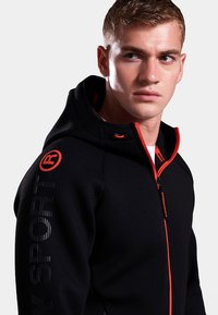 Superdry - GYM TECH STRETCH  - Training jacket - black - 3