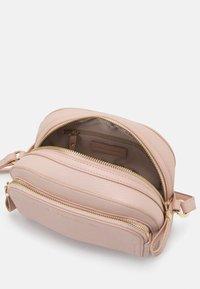 Forever New - LISA FRONT POCKET CROSSBODY BAG - Across body bag - pink - 2