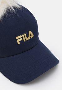 Fila - FUR POMPON UNISEX - Cap - black iris - 3