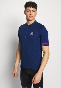 ODLO - STAND UP COLLAR ZIP ESSENTIAL - T-Shirt print - estate blue - 0