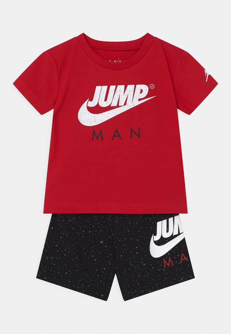 Jordan - STREET TEAM SET UNISEX - Trainingsanzug - black