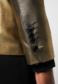 Twisted Tailor - THESEUS JACKET - Blazere - gold - 7