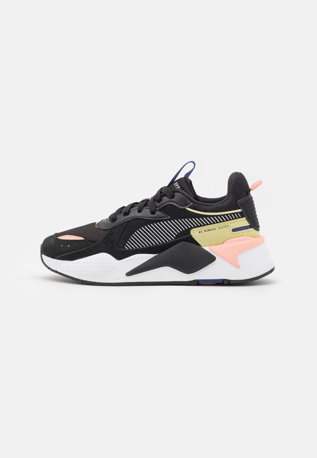 RS-X REINVENT - Sneakers - black/apricot blush/yellow pear
