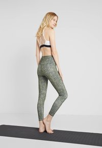 Onzie - HIGH BASIC MIDI - Legginsy - olive - 2