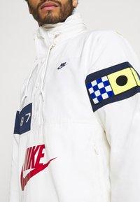 Nike Sportswear - REISSUE WALLIWAW  - Windbreaker - sail/midnight navy/midnight navy - 4