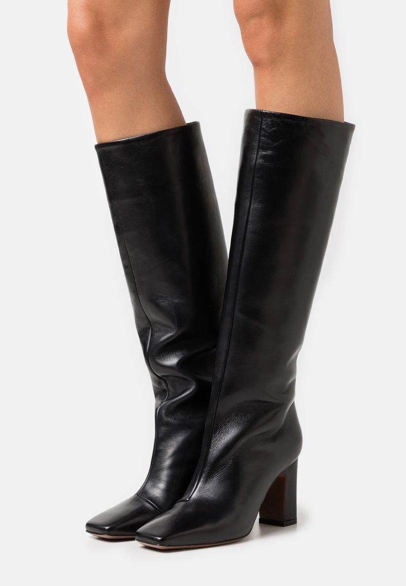 L'Autre Chose - BOOT NO ZIP - Stivali alti - black