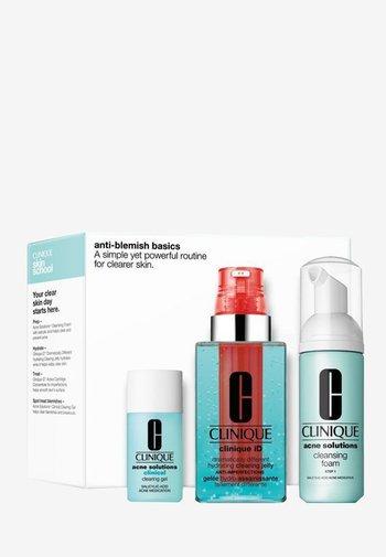 ANTI-BLEMISH BASICS SET - Skincare set - -