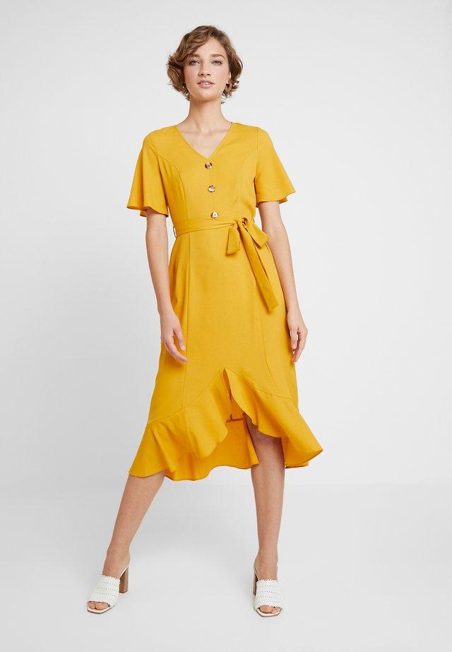 RUFFLE FRONT MIDI DRESS - Košilové šaty - ochre