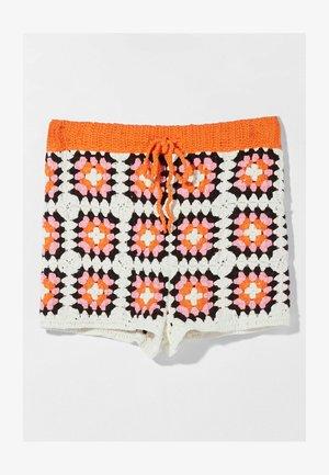 MIT PATCHES  - Shorts - orange
