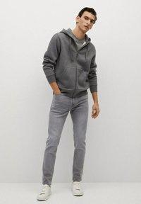 Mango - JUDE - Jeans Skinny Fit - gris denim - 1