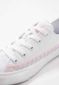 Converse - CHUCK TAYLOR ALL STAR - Sneakers basse - white/moonstone violet - 2