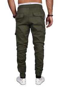 Alessandro Salvarini - DESIGNER - Cargo trousers - grün - 1