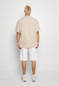 Esprit - BASIC - Shorts - white - 2