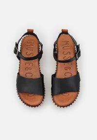 Musse & Cloud - CUCA - Sandály na platformě - black - 5