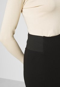 Vero Moda - VMTAVA SKIRT - Mini skirt - black - 5